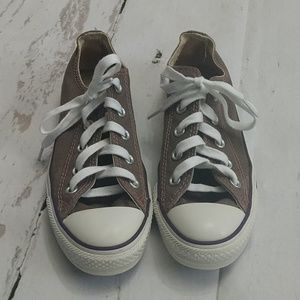 Converse Chuck Taylor Sneakers Like New Size 6